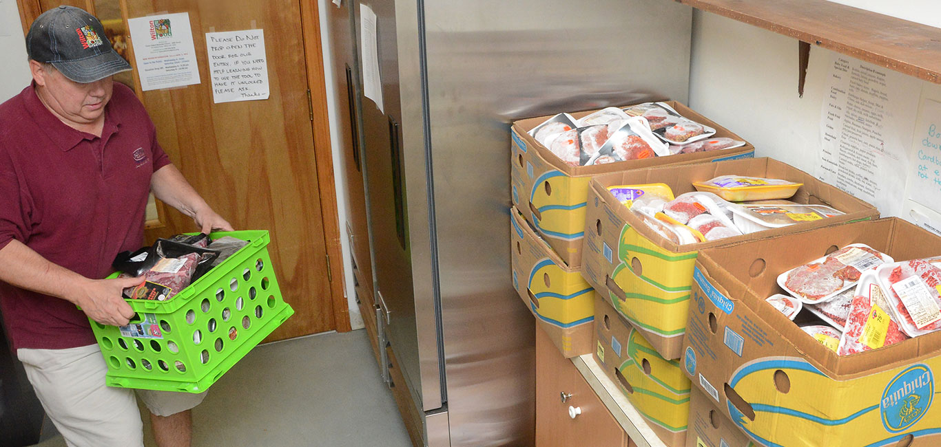 wilton-food-pantry-stocking